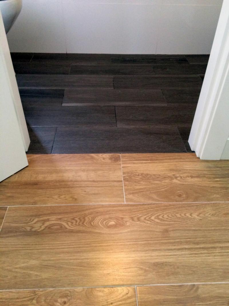 Aseo cambio de suelo porcel nico a r stico oscuro - Suelos porcelanico imitacion madera ...