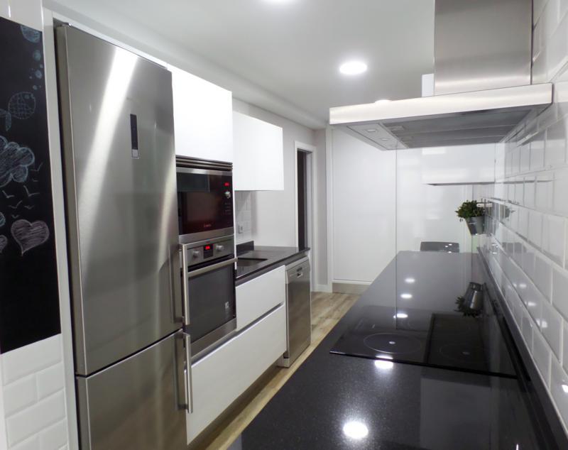 Cocinas madrid espacios adaptados - Reformas economicas en madrid ...